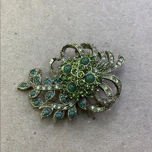 Gorgeous Green and Gold Brooch Pin
